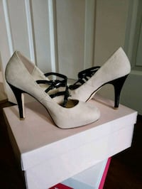 5.5 Dress Heel shoes black and nude (New) Miami, 33179