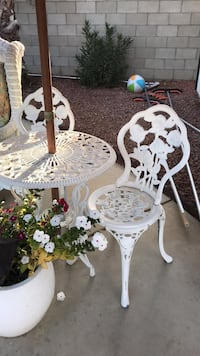 white and brown wooden table Bakersfield, 93314
