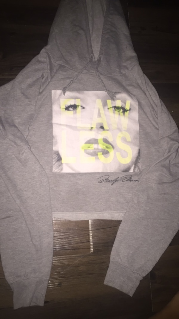 Marilyn Monroe half cut sweater 0