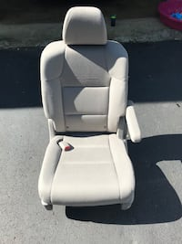 white leather padded car seat Midlothian, 23112