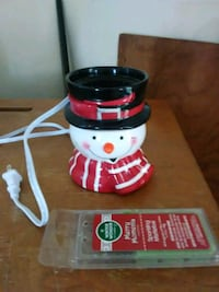 Snowman wax warmer with wax  Lexington, 27295