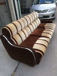 Retro sofa/couch. Like new! From a clean home.  536 km