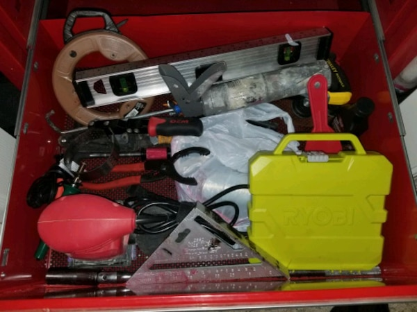 Craftman tool box with tools 2