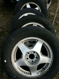 2003 Ford windstar all 4 tires and rims Edgewater, 21037