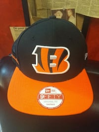Brand new with tags cincinati bengals  3744 km