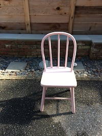 pink wooden windsor chairs 28 km