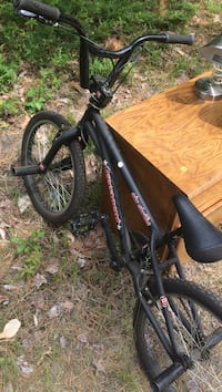 Black and red mongoose bmx bike Freedom, 03836