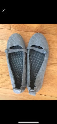 Pair of gray slip on shoes size 7.5 Warrenton, 20186