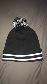 black and white knit cap Woolwich, N2J