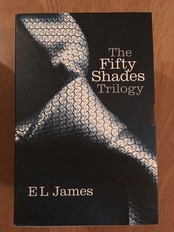 The Fifty Shades Trilogy av EL James Book