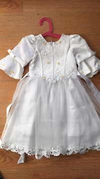 Girl's white sleeveless dress Vancouver, V6K 2L3