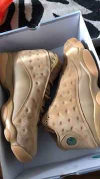 pair of brown Air Jordan 13's Mississauga, L5N 2M7