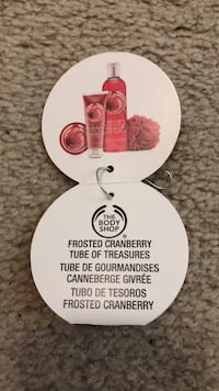 *New* The Body Shop Gift Set Frosted Cranberry London, N6E 1B2