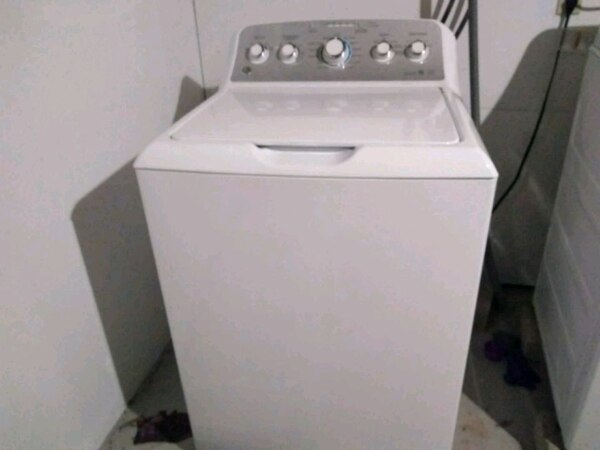 Ge 2 Yr Old Washer And Dryer