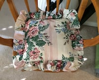 Floral Seat Cushion / Pillow - Very beautiful! Excellent condition! Washable! Chantilly