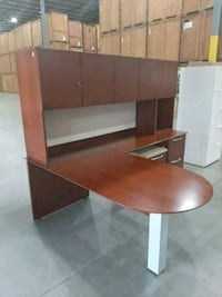 CHERRY EXECUTIVE DESK WITH HUTCH