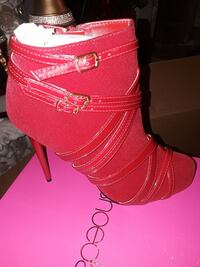unpaired red leather strappy heels Rochester, 14624