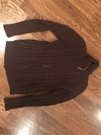 black and gray scoop neck long sleeve shirt