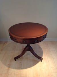 Round Antique table MONTREAL