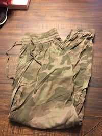 green and gray camouflage cargo shorts Vancouver, 98682