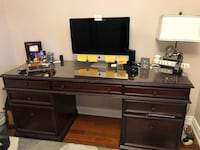 Bombay wooden desk with glass top and chair  Markham, L3R 9M2
