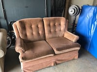 Brown Love Seat Sofa Abbotsford, V3G