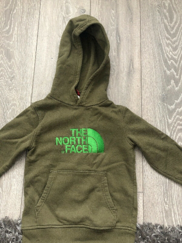 Boy/Girl The North Face Hoodie for 9 years old - Great Condition