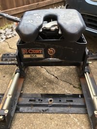 5th wheel hitch used 1 time bought for $650.00 Broussard, 70518