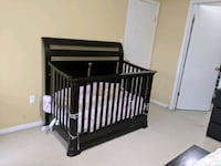 Convertible solid wood Expresso crib