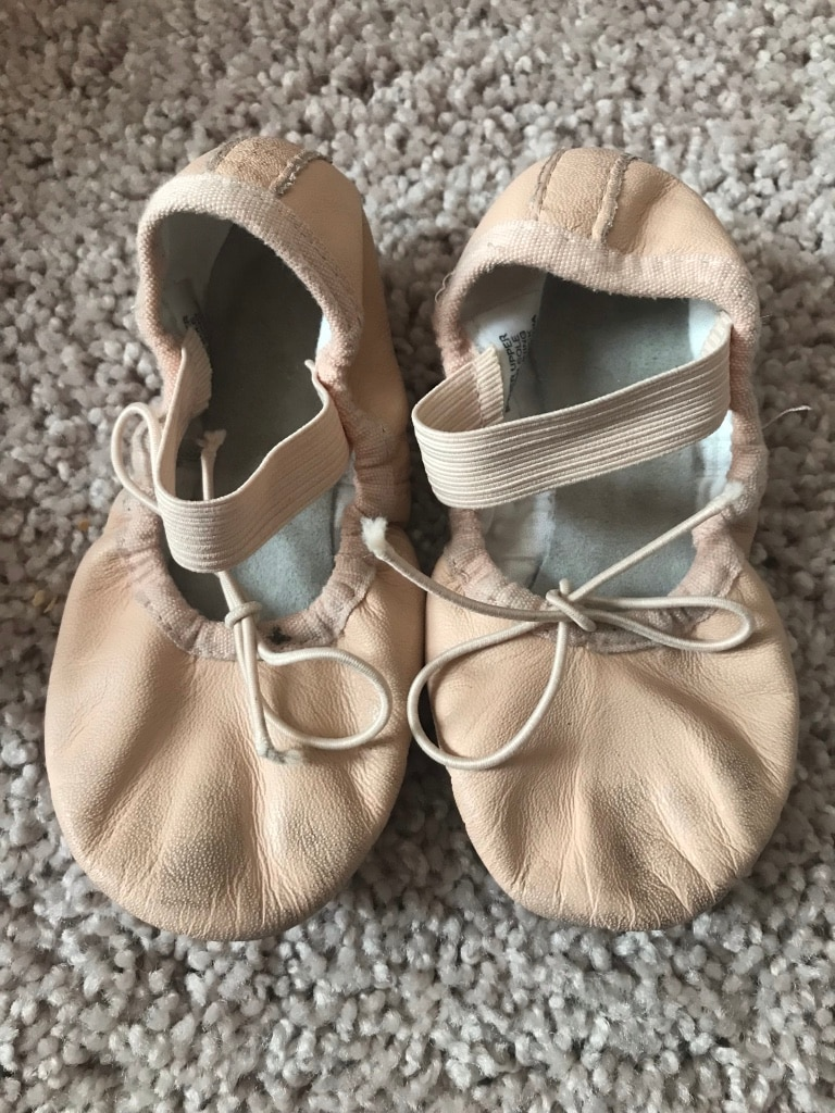 Photo Toddler pink ballet slippers