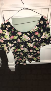 H&M 3/4 Sleeve Floral Top 3694 km