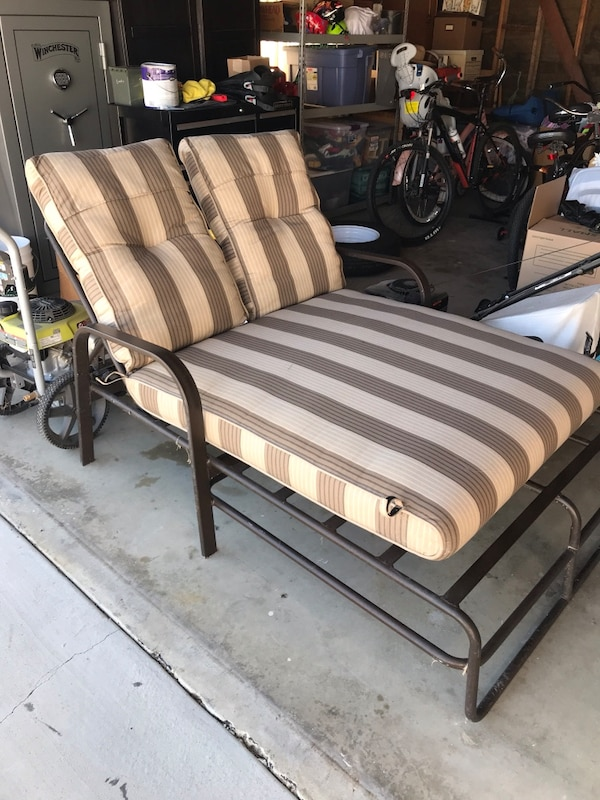 Used Outdoor Chase Lounge Double Seater For In Thousand Oaks Letgo