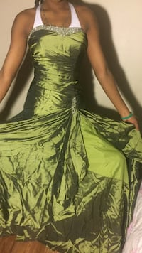 women's white and green halter dress Calgary, T2A