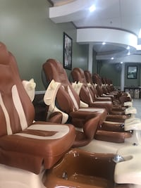 Brown fully functional spa chairs  Bakersfield, 93312
