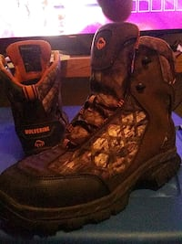 Wolverine weather proof work boots Oklahoma City, 73119