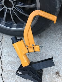 yellow and black floor nailer