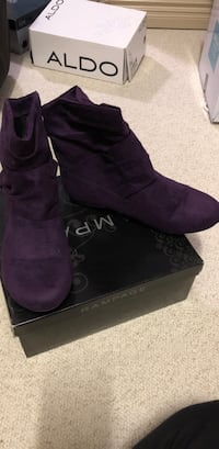 pair of purple suede boots with box Apex, 27502