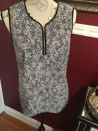 Anne Klein ladies top size 4