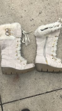 Pair of white suede fur-line side-zip snow boots Antioch, 60002
