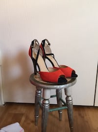 Tangerine Heels size 7 Houston, 77083