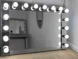 Hollywood Vanity Mirror with desk, 16 LED Lights