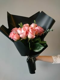 Fresh pink rose bouquet. 12 roses