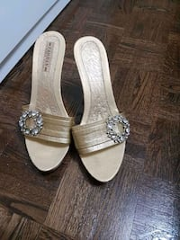 High heels size 8 Saint Thomas, N5P 3P6