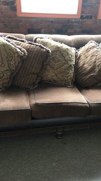 brown leather 2-seat sofa Lancaster, 14086