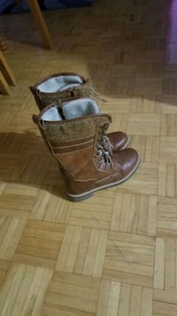 Winter boots for kids Size 6 $20 Toronto, M9V 3T1