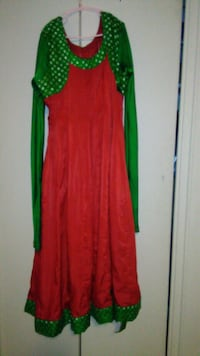 women's red and green long sleeve dress Toronto, M4H