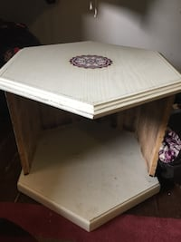 rectangular white wooden coffee table Calgary, T3C 1S2