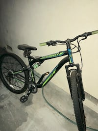 black and green Salcano hardtail mountain bike Los Angeles, 91405