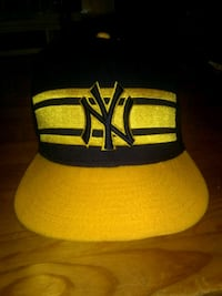 Navy blue and yellow New York Yankees fitted cap Cambridge, N1T 1T4