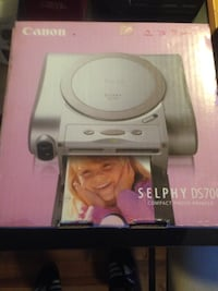 Canon Selphy DS700 compact photo printer Toronto, M9M
